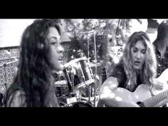 ▶ Ella Baila Sola Lo Echamos A Suertes (video oficial) - YouTube