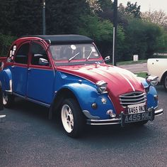 """Citreon 2cv spotted in Essex. Stunning example of the """"an umbrella on wheels,"""" Newmarket Clock Tower"""