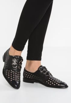 another project - Derbies - black