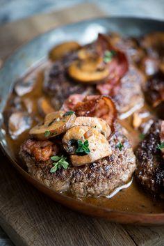 Sprøde hjemmelavede pommes frites i ovn Nordic Recipe, Chopped Steak, Dc Food, Danish Food, Cooking Recipes, Healthy Recipes, Healthy Foods, Pasta, Recipes From Heaven