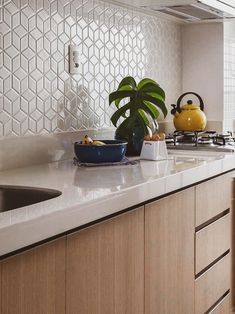 diwali decor home Kitchen Backsplash Designs, Kitchen Room Design, House Interior, Kitchen Decor, Home Kitchens, Kitchen Design, Kitchen Furniture Design, Industrial Kitchen Design, Interior Design Kitchen