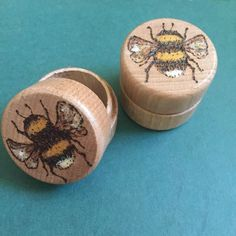Love this cute little ring box found on Etsy #ad #Etsy #bee #bees