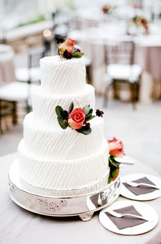 Photography: Carla Boecklin - undefined Read More on SMP: Textured Wedding Cakes, White Wedding Cakes, Wedding Cakes With Flowers, Wedding Cake Designs, Wedding Cake Toppers, Striped Cake, Wedding Sweets, Classic Cake, Rustic Cake