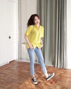 #Dahong style2017 #HeeRan Korean Casual Outfits, Korean Fashion Summer Casual, Korean Fashion Kpop, Ulzzang Fashion, Korea Fashion, Casual Summer Outfits, Simple Outfits, Chic Outfits, Daily Fashion