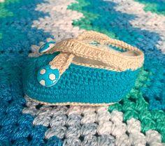 Modernizando o crochê: Sapatinho de crochê para bebê (baby crocheted boot...