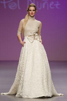 Pol Nuñez {colección 2013} #vestidosdenovia #weddingdress #tendenciasdebodas