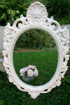Love these Vintage Mirrors! So easy to refurbish and make a work of art!