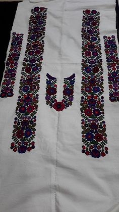 "#Ukrainian #style #Ukrainian #spirit Vía ""Етно Галерея"" #Lviv Folk Embroidery, Embroidery Patterns, Floral Tie, Needlework, Blouse, Cross Stitch, Costumes, Sewing, Crochet"