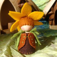 Sunflower Flower Cap Gnome Tournesol Waldorf Inspired Natural Dollhouse Play