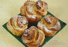 Muffin rózsa kelt tésztából Doughnut, Food To Make, French Toast, Muffins, Breakfast, Hungary, Morning Coffee, Muffin, Morning Breakfast
