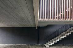 edificio-1232-arquea-terreo-escada