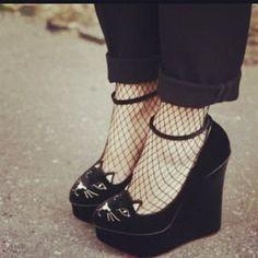 cat shoes ♥ found them on ebay