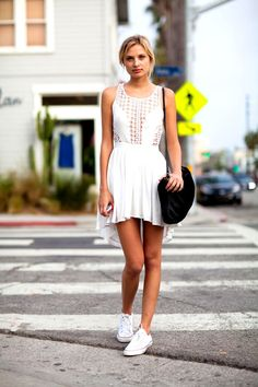 Dress with converse, dress with sneakers, converse shop, converse outfits, Looks Con Converse, Dress With Converse, Dress With Sneakers, White Converse, White Sneakers, Converse Shop, Converse Outfits, Shoes Sneakers, All Stars Blancas