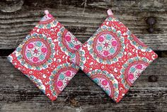 Hippie Joy Pot Holder Set of 2 by marylandquilter on Etsy, $15.00