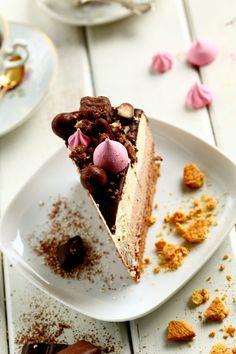 Ihana kolmen suklaan liivatteeton juustokakku - Suklaapossu Tiramisu, Cheesecake, Pie, Baking, Ethnic Recipes, Desserts, Food, Diy Ideas, Decor
