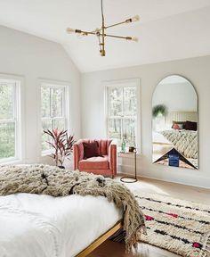 bedroom + resting/reading nook / bedroom inspiration