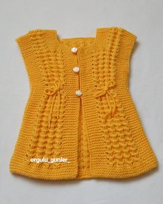 Let's Knit Vest with Nako Luxury Tiny – Fazilet Direkçi – Join in the world of pin Diy Crafts Knitting, Knitting Blogs, Easy Knitting Patterns, Knitting Designs, Baby Knitting, Knitted Baby, Baby Cardigan, Baby Pullover, Knit Vest