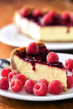 Speculoos, fromage blanc and raspberry coulis cake - Cheesecake Recipes Lemon Cheesecake, Cheesecake Recipes, Dessert Cake Recipes, Diy Food, Sweet Recipes, Easy Recipes, Food And Drink, Cupcakes, Yummy Food