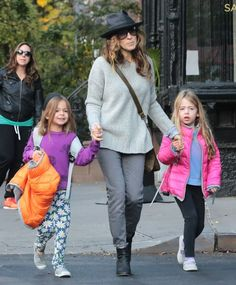 "51888897 ""Sex and the City"" star and busy mom Sarah Jessica Parker is spotted out and about with her daughters Tabitha & Marion on October 26, 2015. FameFlynet, Inc - Beverly Hills, CA, USA - +1 (818) 307-4813"