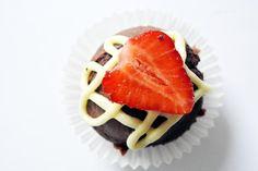 Willkommen zurück, liebe Laura! Schön, dass du wieder dabei bist!!!! Das Frühstück, ein Schokomuffin mit frischer Erdbeere, sieht fantastisch aus! http://www.veganvsmeat.de/2013/06/vegan-wednesday-bin-auch-mal-wieder-dabei.html