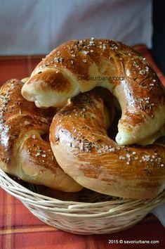 Cornuri simple cu sare, de casa Pastry Recipes, Bread Recipes, Baking Recipes, Pastry And Bakery, Bread And Pastries, Cooking Bread, Easy Cooking, Paratha Recipes, Romanian Food