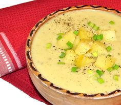 Supa crema de cartofi si praz #reteta #supa Cheeseburger Chowder, Camembert Cheese, Soup Recipes, Main Dishes, Vitamins, Good Food, Cooking, Homemade Food, Homemade