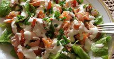 Sałatka z wędzonym łososiem – 1 porcjasałatka na 5 :) łatwa do zrobienia , pyszna, dietetyczna oraz sprawdza się na imprezach ze znajomymi Składniki:5 liści sałaty lodowej50 g wędzonego łososia ...