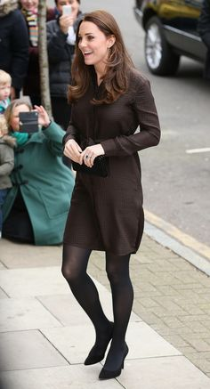 Pin for Later: It's a Girl! Celebrate the New Princess With Kate Middleton's Most Stylish Maternity Moments Kate Middleton Style Princesa Charlotte, Princesa Kate, Looks Kate Middleton, Kate Middleton Photos, Diana, Stylish Maternity, Maternity Fashion, Maternity Style, Hobbs Dresses