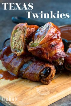 The Texas barbecue world has been taken over by the cream cheese and brisket stuffed jalapeno called Yummy Appetizers, Appetizer Recipes, Grill Appetizers, Bacon Wrapped Appetizers, Smoking Recipes, Football Food, Leftover Brisket, Leftover Steak Recipes, Mexican Food Recipes