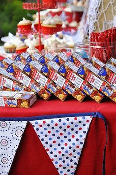 Put boxes of party favor Cracker Jacks out on Memorial Day or Fourth of July. 4th Of July Celebration, 4th Of July Party, Fourth Of July, 4th Of July Decorations, Birthday Party Decorations, Party Themes, Party Ideas, Yard Decorations, Graduation Party Foods