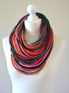 Collares - eco-bufanda - hecho a mano por ekoszale en DaWanda