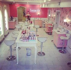 Benefit Cosmetics Boutique & Brow Bar (Back Bay, Boston, MA) Benefit Brow Bar, Princess Beauty, Lash Room, Nail Bar, Benefit Cosmetics, Beauty Bar, Grand Opening, Manicure And Pedicure, Store Design