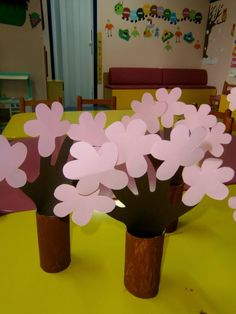 Tree Crafts, Diy And Crafts, Arts And Crafts, Paper Crafts, Spring Crafts For Kids, Diy For Kids, Flower Mobile, Blooming Trees, Almond Blossom