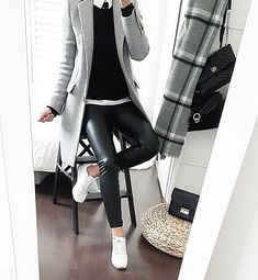 Black leather pants, white shirt, black pullover knit, gray overcoat over … – Outfit Inspiration & Ideas for All Occasions Mode Outfits, Chic Outfits, Fall Outfits, Fashion Outfits, Office Outfits, Outfit Winter, Fashion Mode, Work Fashion, Womens Fashion