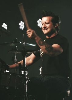 Tré Cool from Green Day Oh the green hair, the eyes, the smile!!!