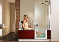 Artlift: Ausgezeichnete Dusch-Badewanne mit integriertem Hebesitz