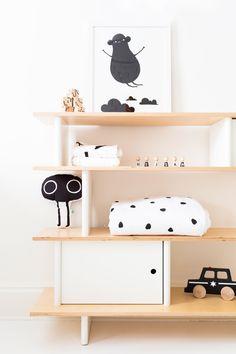 kids room shelf