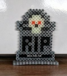 Halloween grave hama perler by deco. Easy Perler Bead Patterns, Perler Bead Templates, Pearler Bead Patterns, Diy Perler Beads, Perler Bead Art, Pearler Beads, Hama Beads Halloween, Halloween Crafts, Halloween Witches