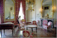 Marie Antoinette's drawing room in the Petite Trianon, the floor is Parquet de Versailles