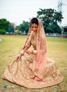 shimmery lehenga, glitter lehenga, shimmery peach lehenga, peach and gold lehenga, sikh bride, morning wedding lehenga, pastel pink lehenga, gold sequinned lehenga,