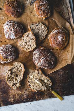 Siken spelttisämpylät (V) Viimeistä murua myöten Low Carb Recipes, Vegan Recipes, Bread Recipes, Salty Foods, Food Crush, Sourdough Bread, Mushroom Recipes, Quick Bread, Sweet And Salty
