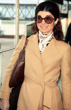 JACQUELINE KENNEDY ONASSIS How To Dress Like A Modern Day Jackie O  - TownandCountryMag.com