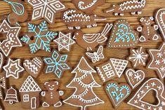 Bake the gingerbread yourself - Plätzchen - Cookies Gingerbread Decorations, Gingerbread Cake, Christmas Gingerbread, Noel Christmas, Christmas Baking, Honey Cookies, Yummy Cookies, Holiday Cookies, Holiday Treats