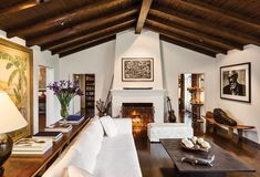 Classic and Current Spanish Colonial Homes, Spanish Style Homes, Spanish House, Spanish Revival, Spanish Style Interiors, Mediterranean Living Rooms, Spanish Living Rooms, Living Room Designs, Living Spaces