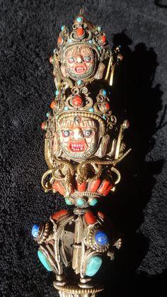 Phurbu KILA DAGGER MAGIQUE DE TIBET grandes dimensions: 43 cm Dagger et le…