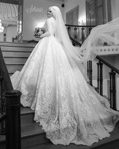 Lassen Sie Ihren Tag Aydin Sir sein, diese erstaunlichen Fotos … Let your day be Aydin Sir, these amazing photos Niyazi Ty …, # amazing … Muslimah Wedding Dress, Muslim Wedding Dresses, Hijab Bride, Muslim Brides, Wedding Hijab, Designer Wedding Dresses, Wedding Gowns, Wedding Cakes, Bridal Outfits