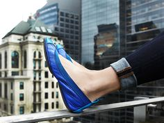 Love the monochromatic color blocked blue hues on these Yosi Samra ballet flats.