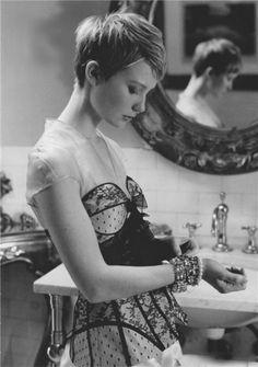Mia Wasikowska---looks like Jewjew.