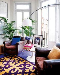 Un apartamento bohemio en Madrid /A bohemian penthouse in Madrid Living Room Inspiration, Interior Inspiration, Feng Shui, Colorful Apartment, Bohemian Apartment, Deco Studio, Interior And Exterior, Interior Design, Apartment Living
