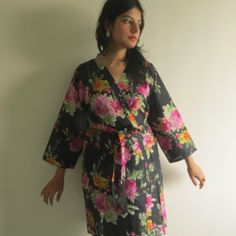 Knee length Robe Style Made From II2 Fabric Pattern
